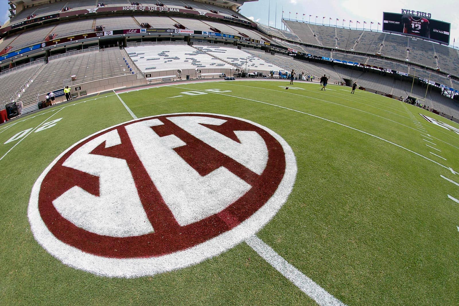 SEC announces additional cross-division opponents, new home and road schedules